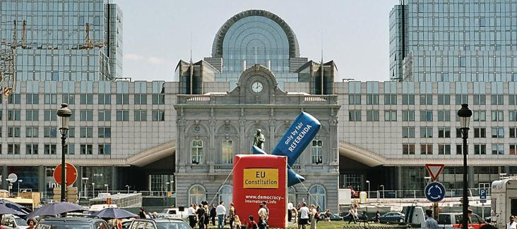 Europaparlament: Aktion von Democracy International