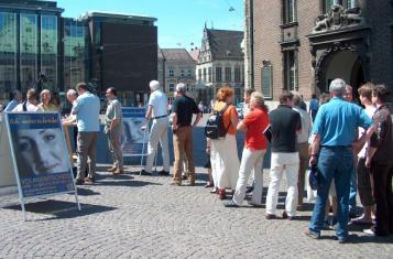 Volksbegehren: Schlange stehen in Bremen 2006